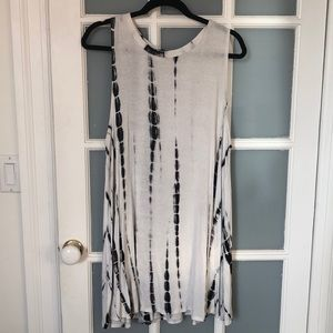 Black and White Tie Die Tunic Dress